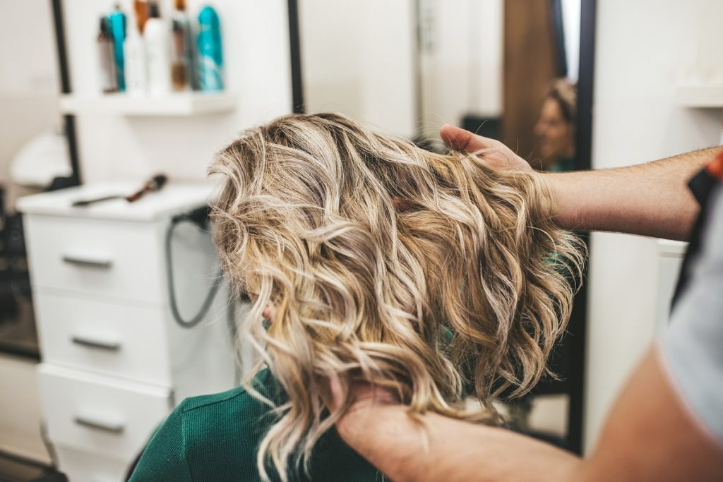 Elevate Your Look with Hair Salon Highlights